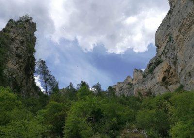 Rotswand bij Fontaine-de-Vaucluse