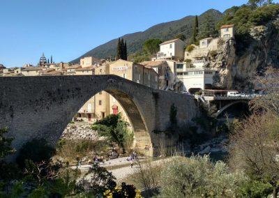 De romeinse brug in Nyons